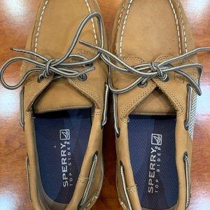EUC, boys sz 3.5, tan leather boat shoes